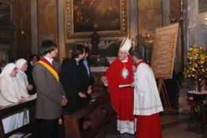 il Cardinale con l'artista Carta e con il Consigliere Marin